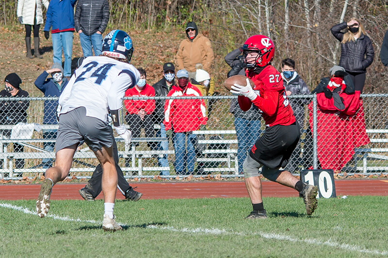 Charlotte Redhawk Seth Boffa brings in a pass. Photo by Al Frey